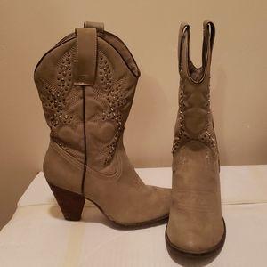 Cowboy boots 7.5